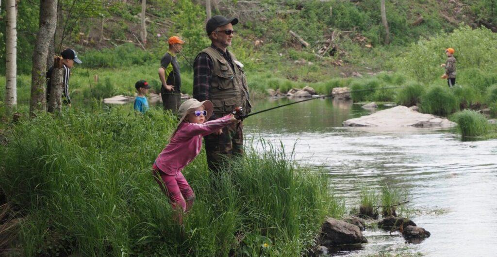Liity kalastusseuraan